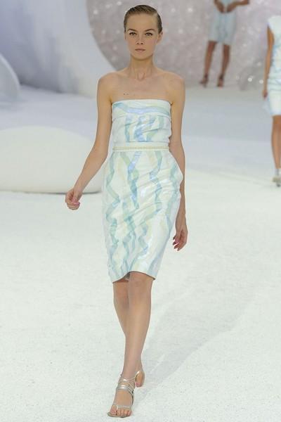 Платье для деловых женщин от Chanel