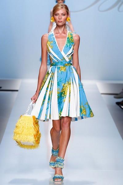 Платья с V-образным вырезом весна-лето 2012 от Блюмарин