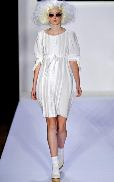 Бельевой стиль одежды – платья от Bebe