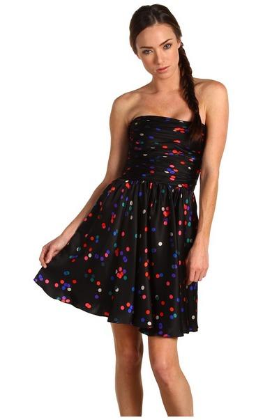 Короткое платье в горошек 2012 фото