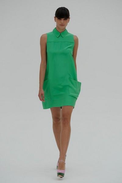 Модное платье-баллон спортивного стиля от Victoria Beckham