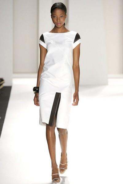 Деловое платье спортивного покроя от Carolina Herrera, 2012