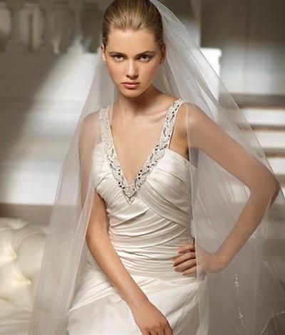 Свадебные платья 2012 с классической фатой