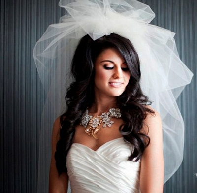 Свадебные платья 2012 с короткой фатой