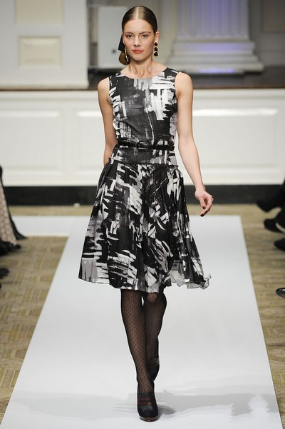 Платье гусиная лапка черное с белым, коллекция Осень-Зима 2012-2013 от Oscar de la Renta