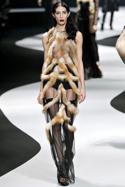 Платья с мехом на осень 2012 viktor rolf