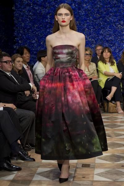 Платье с юбкой колокол на осень 2012, Christian Dior