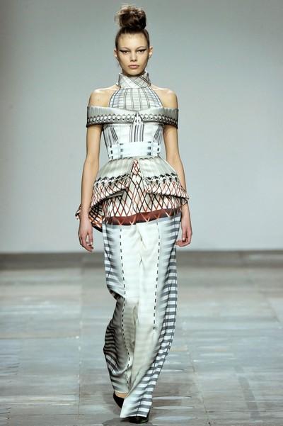 Длинное платье с баской осень 2012, Mary Katrantzou