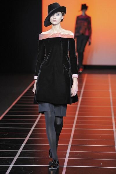 Черное бархатное платье с шортами Giorgio Armani