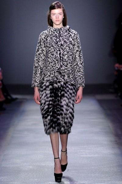 Вязаное серое платье Giambattista Valli