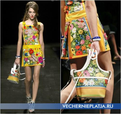 Сумочка и платье от Moschino Весна-Лето 2013