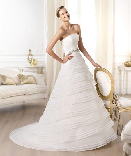 Пышная юбка свадебного платья каскадом