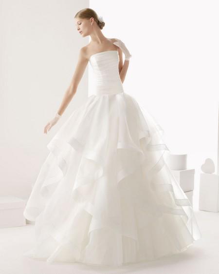 Пышное платье с заниженной талией фото