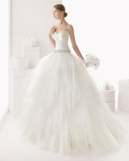 Свадебные платья из гипюра пышные фото