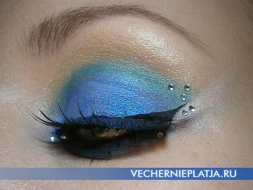 Очень красивый новогодний макияж в сине-зеленом цвете фото