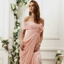 Цветные свадебные платья откроют секрет невесты