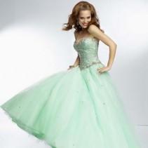 Длинные платья на выпускной 2014: какие модели победят в сравнении