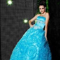 Голубое свадебное платье – в объятиях нежности
