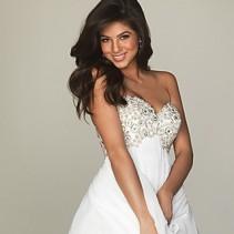 Короткие белые платья – нарядно, стильно, легко