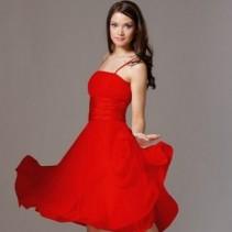 Короткое платье с пышной юбкой – must have в гардеробе современной модницы