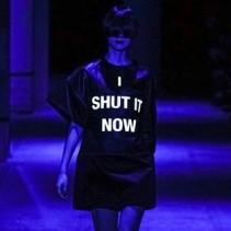 Модные платья с надписями 2014 года: стильный тренд для молодых девушек и не только