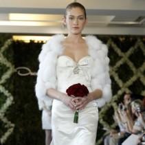 Накидка на свадебное платье: чарующий образ невесты в самый счастливый день