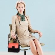 Платье в горошек – женственный наряд в разных стилях