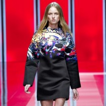 Платья в стиле оверсайз: развивающийся тренд в мире моды
