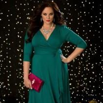 Платье с запахом для полных женщин: разные вариации на заданный фасон