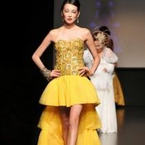 Элегантные и пикантные вечерние платья со шлейфом